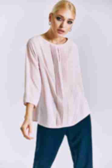 Блузка с разрезом спереди пудровая