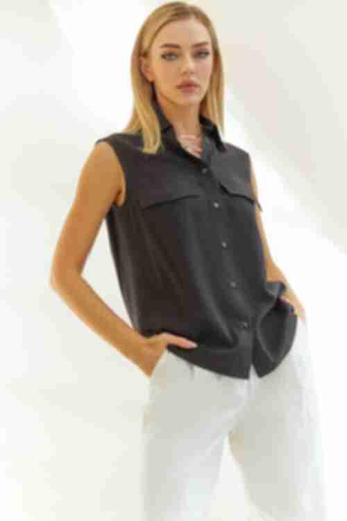 Прямая рубашка без рукавов черная