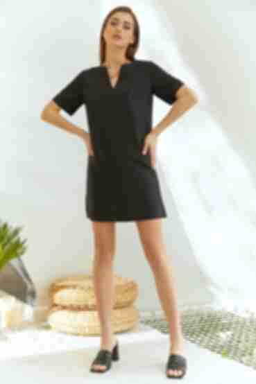 Короткое платье А-силуэтное черное