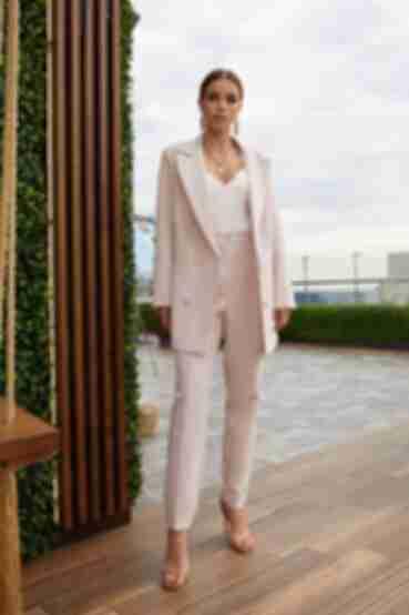 Жакет удлиненный из костюмной ткани пудровый