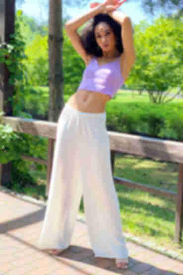 Белые брюки палаццо на резинке из креш льна