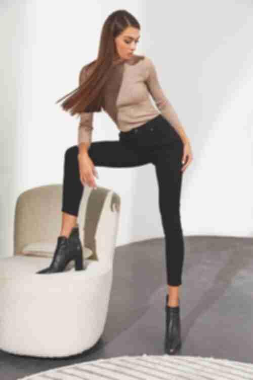 Женские черные джинсы скини