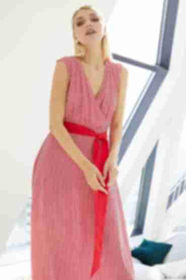 Длинное красное платье без рукавов на запах в молочную полоску
