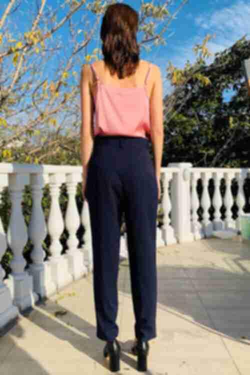 Женские брюки из костюмной ткани темно-синие