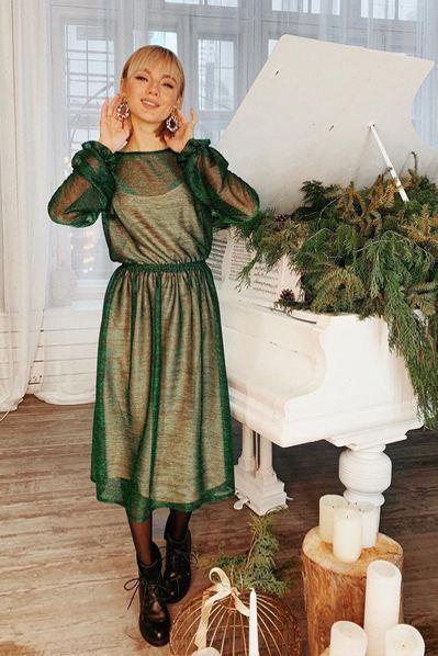 Платье с оборкой из креп-шифона изумрудное