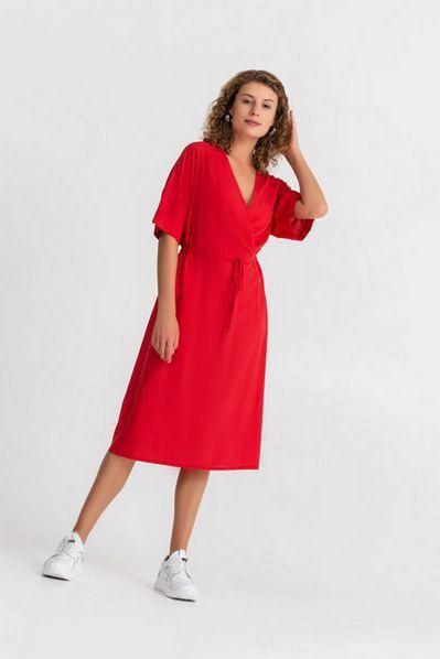 Красное платье миди с кулиской