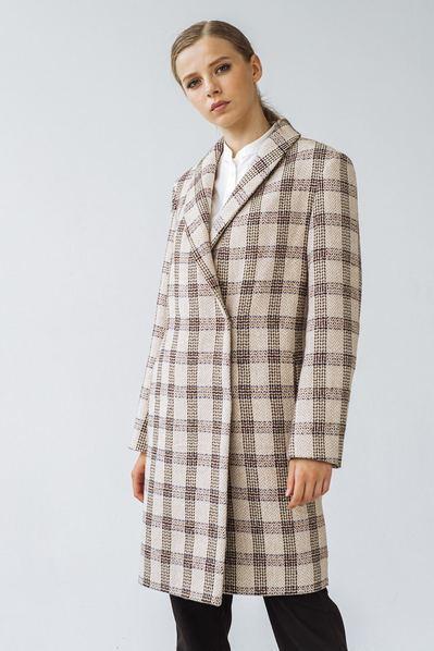 Женское пальто в клетку с шалевым воротником песочно-молочное