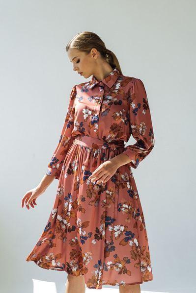Платье до колен цветы на терракотовом фоне