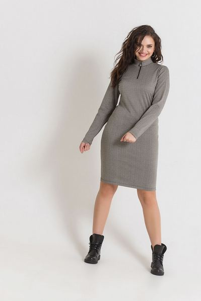 Трикотажное платье с принтом бежево-черный зигзаг большой размер