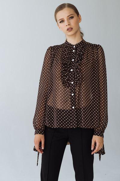 Блуза с оборками молочный горох на шоколадном фоне
