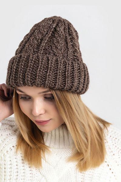 Вязаная шапка с косичками шоколадная
