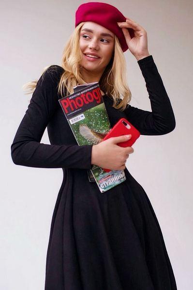 Черное платье замшевое с юбкой полусолнце
