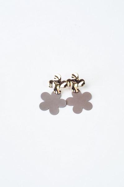 Серьги двойные цветы серо-золотистые