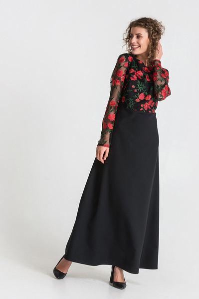Длинное платье с гипюровым верхом красные цветы на черном