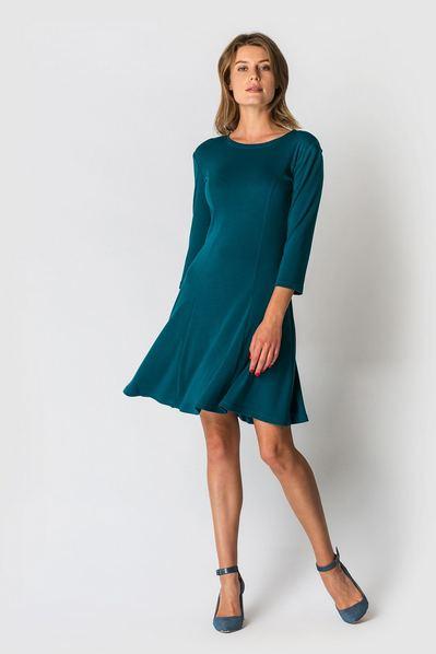 Трикотажное платье колокольчик изумурудное