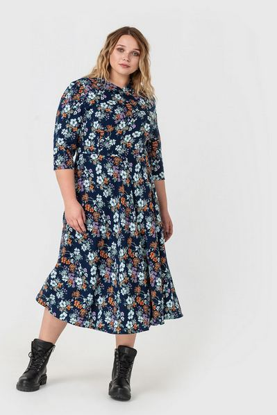 Темно-синее платье с воротом в бело-фрезовые цветы большой размер