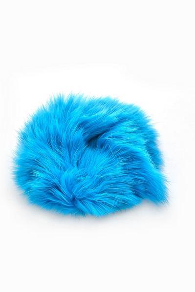 Резинка из натурального меха голубая