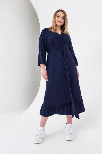 Синее платье с запахом и оборками миди большой размер