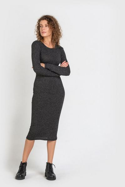 Черное платье-футляр с люрексом