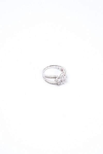Кольцо серебро с камушками в виде цветка