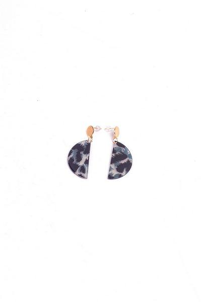 Серые серьги-подвески полукруг с леопардовым принтом