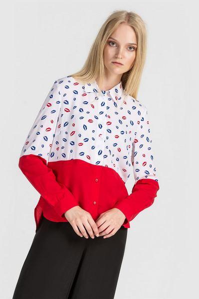 Молочно-красная рубашка прямая с принтом губы
