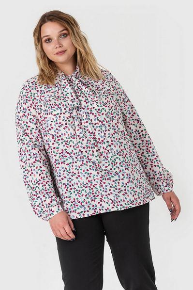 Молочная блузка с кокеткой принт розовые листья