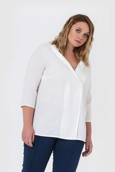 Прямая блузка на запах молочная большой размер