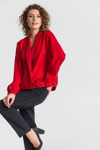 Красная блуза с запахом из шифона в полоску