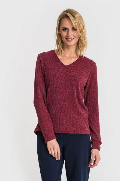 Трикотажный свитер с вырезом ягодный