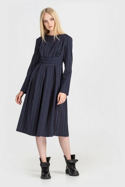Темно-синее платье миди в лимонно-молочную полоску