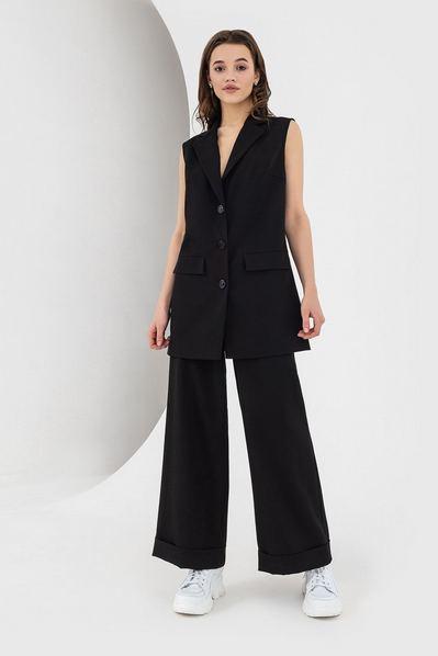 Черный жилет с воротом из костюмной ткани