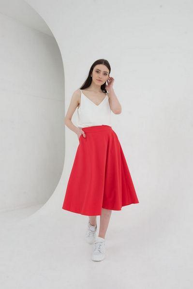 Миди юбка полусолнце на красном