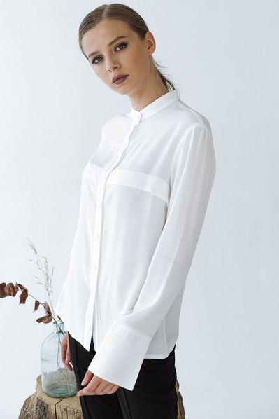 Блуза с клапанами спереди молочного цвета