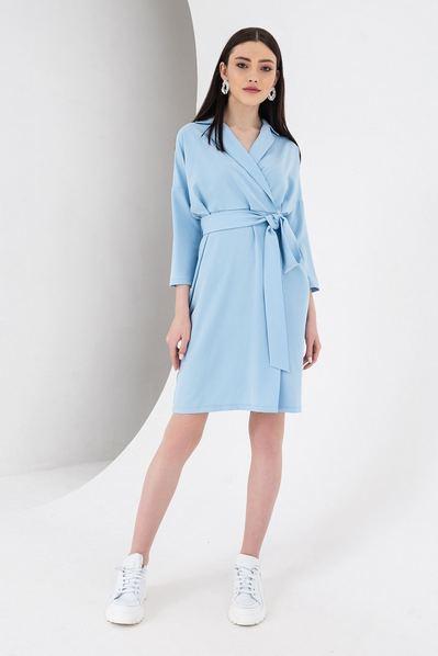 Платье с поясом и запахом небесное