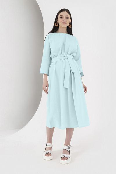 Голубое миди платье со складками