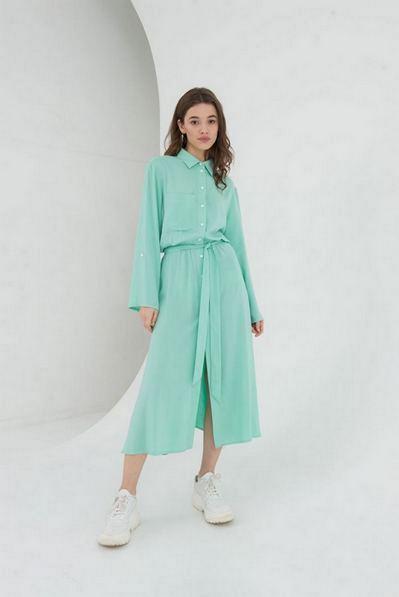 Платье-рубашка с карманом мятного цвета