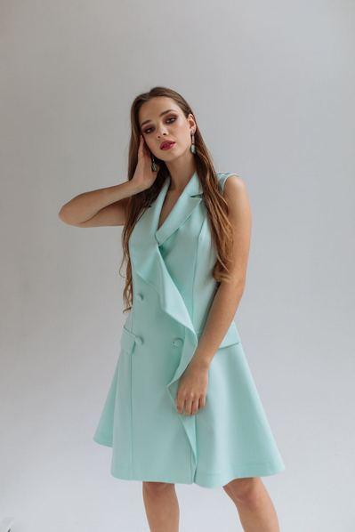Вечернее мини платье-жакет с открытыми руками мятного цвета