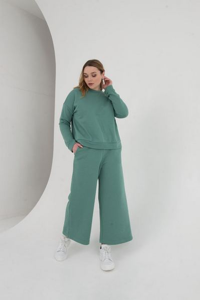 Костюм свитшот и брюки кюлоты шалфей большой размер