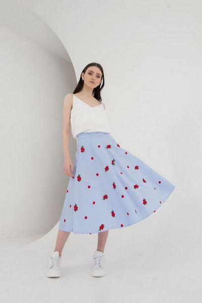 Миди юбка полусолнце с вышитыми цветами
