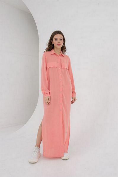 Длинное платье-рубашка с накладными карманами мускусная диня
