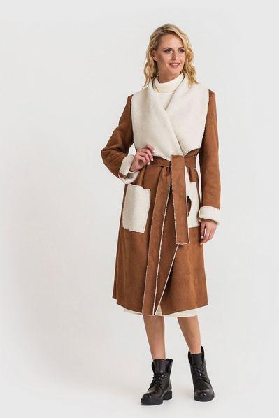 Женское пальто с ассиметричным воротником из искусственной овчины коричневое