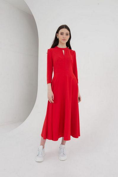 Платье миди со вшитым поясом красного цвета