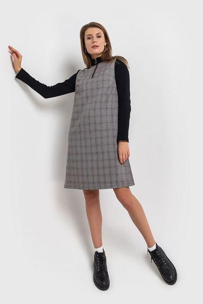 Трикотажное платье со стойкой принт клетка на графитовом