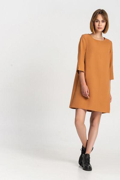 Платье-колокольчик с вырезом карамельное
