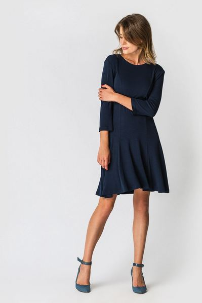Трикотажное платье колокольчик темно-синее