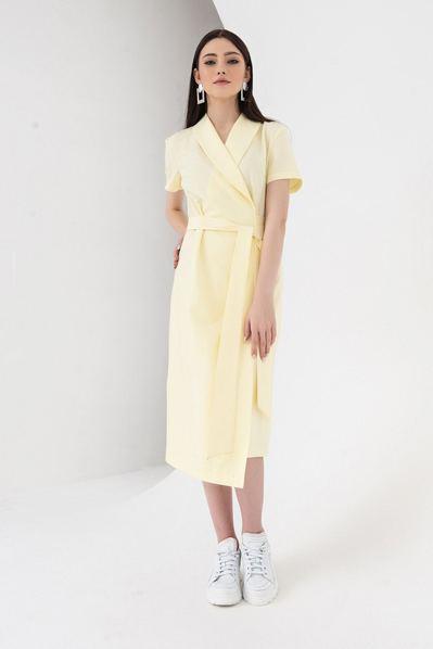 Асимметричное платье с поясом и запахом лимонное