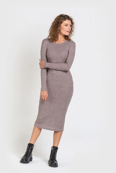 Теплое платье-футляр пудровый меланж с люрексом