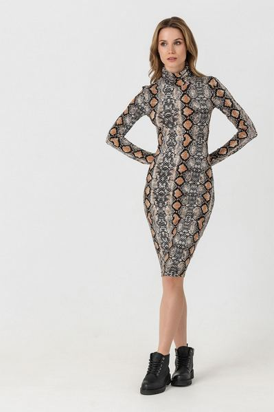 Платье-гольф принт змеиная кожа терракотовое