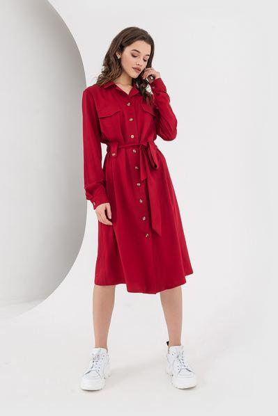 Платье-рубашка с поясом ягодное